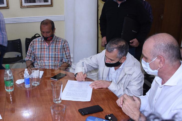 Docentes: se firmó el acuerdo entre gremios, autoconvocados y el Gobierno misionero