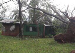 Fuertes vientos causaron destrozos en distintas localidades de la provincia