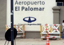 Inhabilitaron el aeropuerto de El Palomar para realizar vuelos de cabotaje