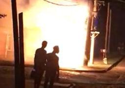 El incendio de un transformador de EMSA puso en vilo a todo un barrio