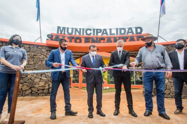 En Salto Encantado el gobernador homenajeó a Andrés Guacurarí en su natalicio