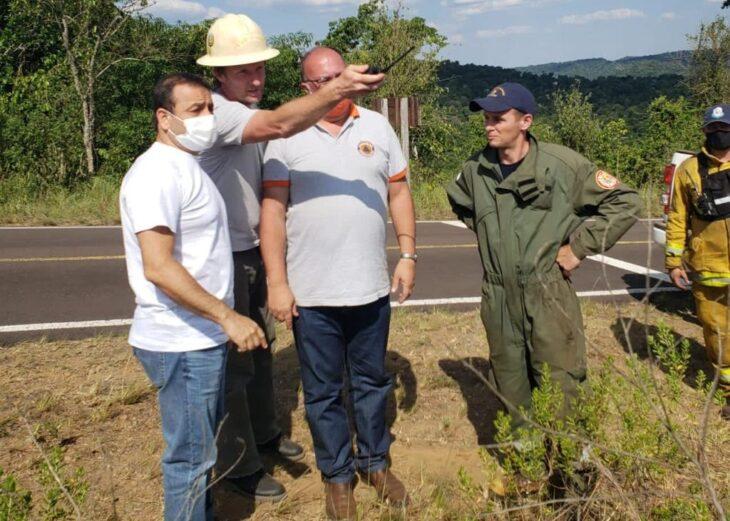 Herrera Ahuad pasó la jornada recorriendo la zona afectada por los incendios