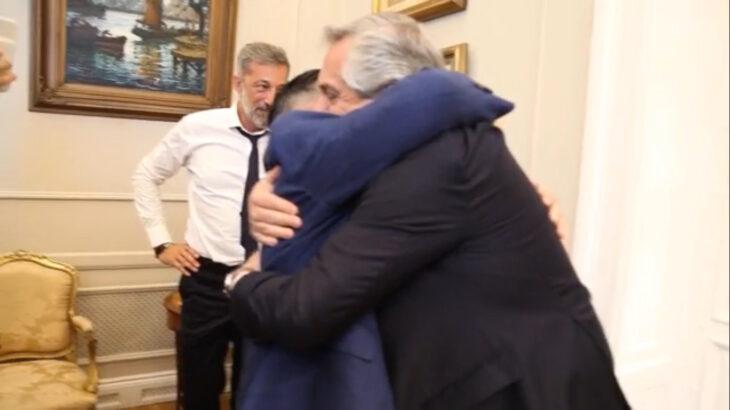 """El Presidente declaró tres días de duelo por la muerte de Maradona """"Estoy desolado"""""""
