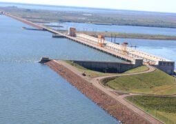 Yacyretá informó que los focos de incendio de las inmediaciones de la represa están controlados