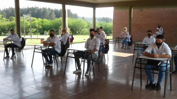 Con protocolo sanitario: volvieron a las clases presenciales más de 17.000 alumnos en la provincia