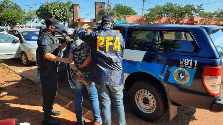 Portaba una credencial falsa de la Policía Federal y fue detenido en Barrio Belén