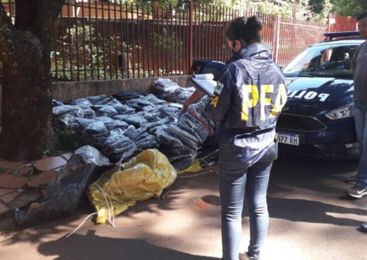 La Federal secuestró mercaderías ingresadas al país de contrabando y detuvo a una persona con pedido de captura