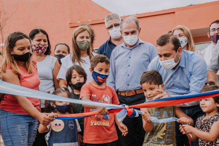 Herrera Ahuad inauguró obras comunitarias y entregó viviendas sustentables en Posadas