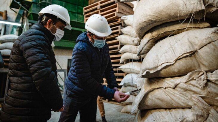 Misiones genera su primera exportación de yerba mate a la India