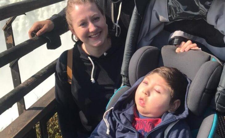 Niño de Iguazú con parálisis cerebral, desde hace más de un año no recibe tratamiento en Foz por la frontera cerrada