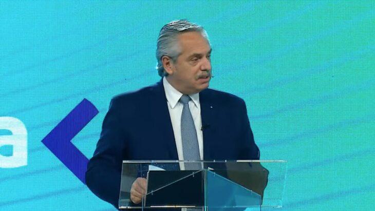Alberto Fernández: «No debemos ver al trabajo como un costo sino como una inversión»